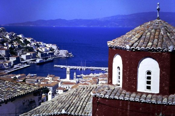 View from the hill at kiaffa down to the port of Hydra