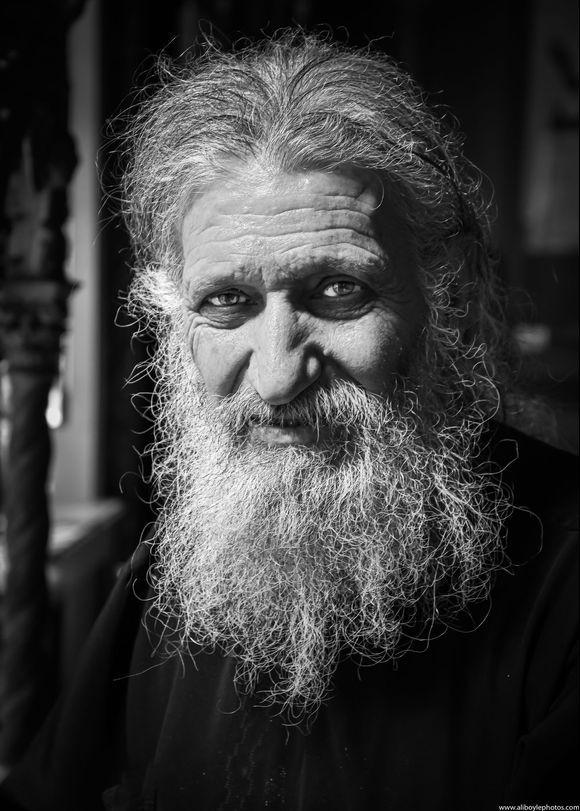 Sunday's Priest - Konstantinos