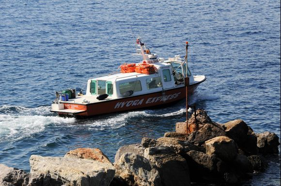If you do not have the strength to walk, then taxi boats are the option, they are important for the infrastructure.