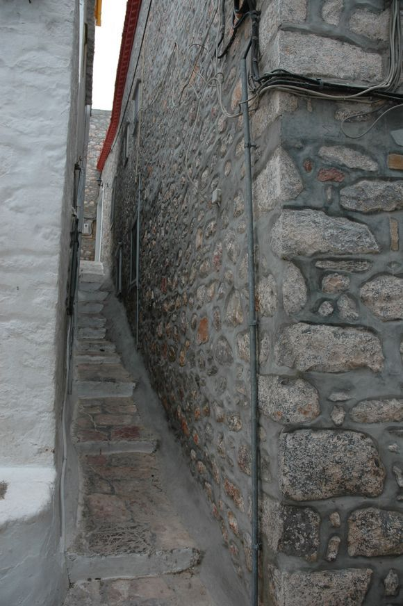 I think this is the narrowest street on Hydra