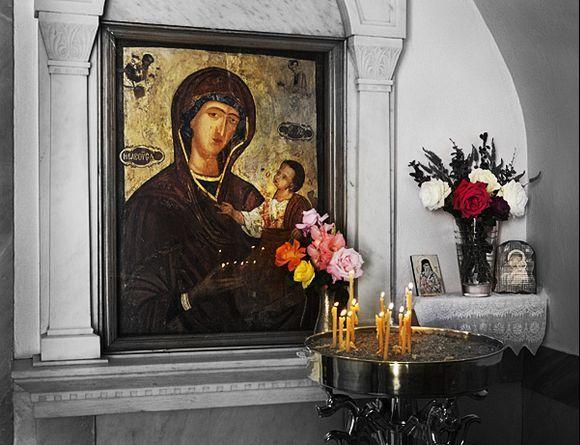 Chapel in Evangelistria Church. (Dank je Marijke voor het idee.)