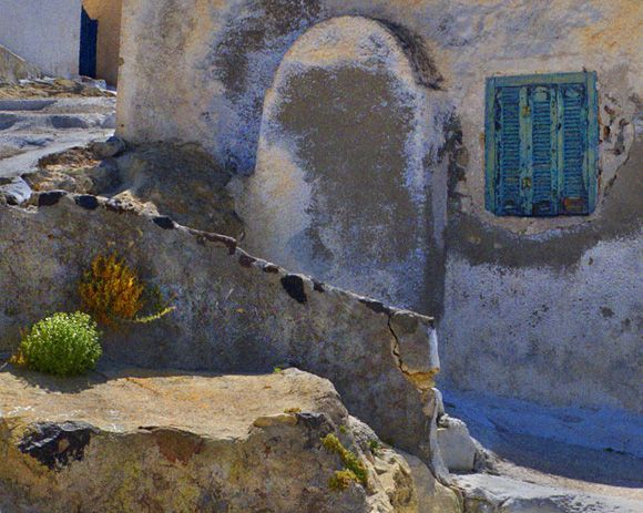 Alley in the town of Akrotiri