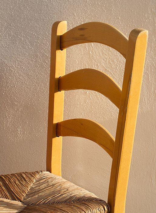 Chair in taverna, Karavostasi