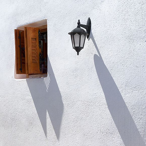 Shutter, lamp and shadows