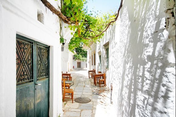 Isn't Apiranthos one of the cutest little villages in Greece?