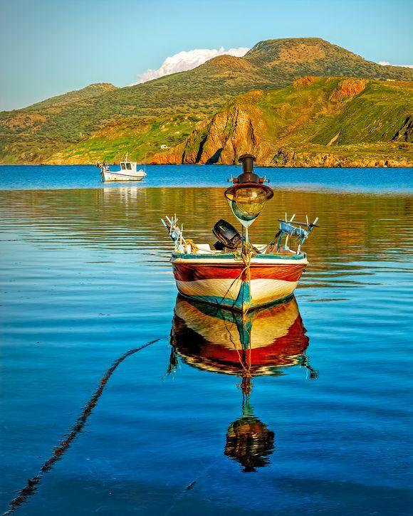 Bold and beautiful colours in Kalo Limani (Good Port) near Skalochori.