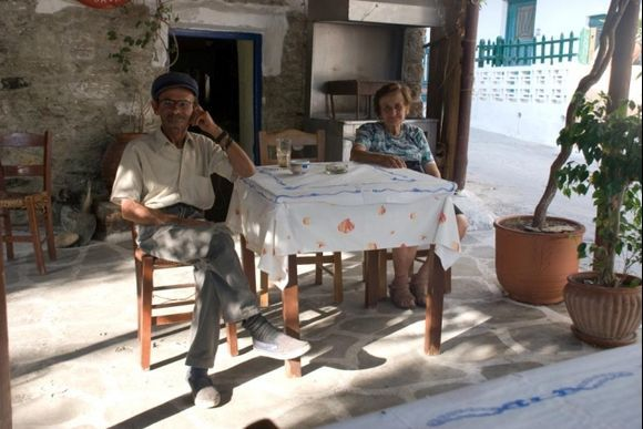Very friendly people in the restaurant in Katapola