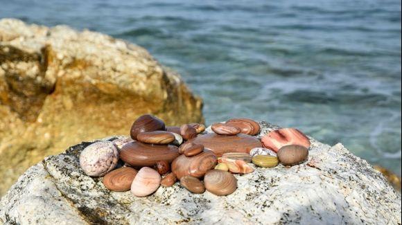 Amazing pebbles
