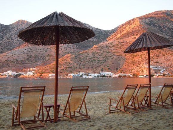 End of Vacation waiting for the Ferry to Pireaus drinking Ouzo seeing the last Sunset in  Sifnos