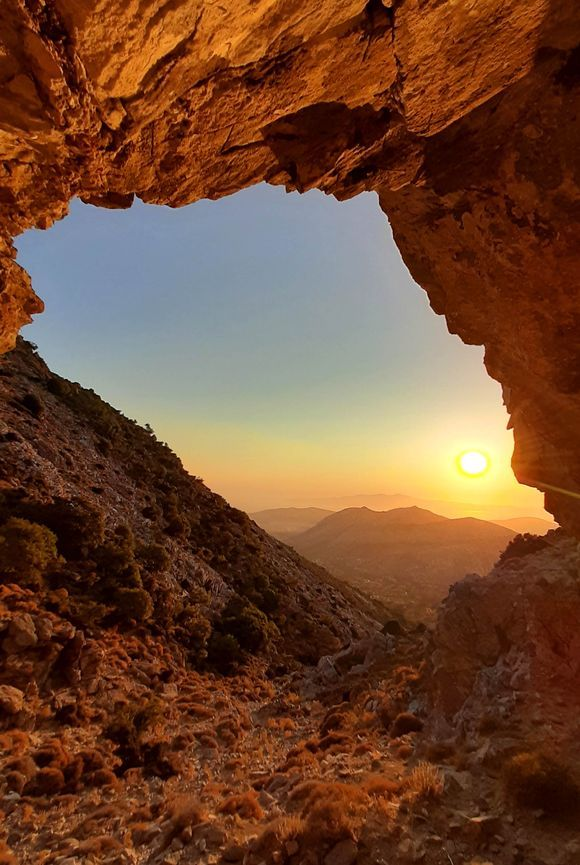 Colours of Naxos - Zas Cave