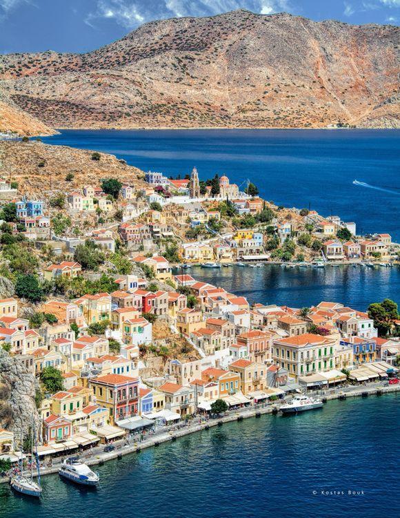 Discover the colourful Symi Island!