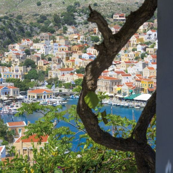 Just take a look at the beauty of Symi island!