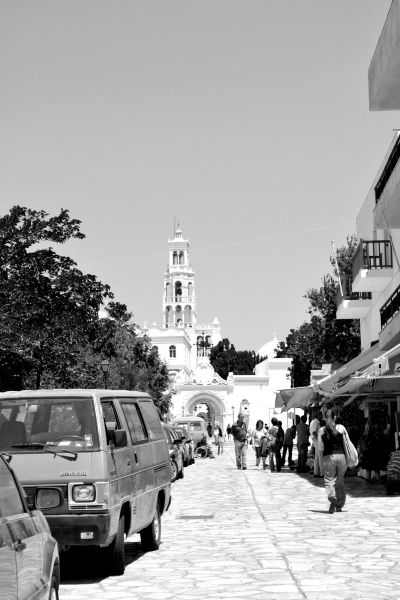 A path with touristic shops leads to the great church.