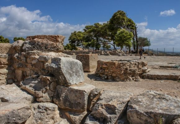 In the ruins - Festos Palace again