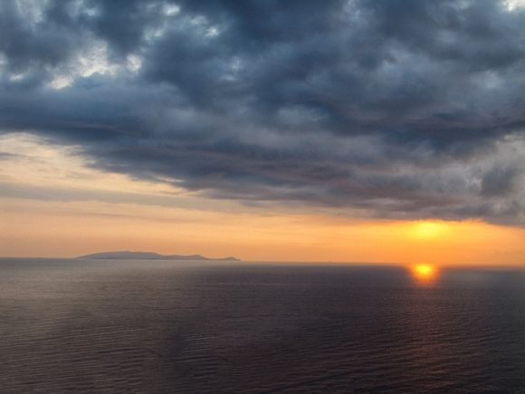 Greetings from Eos. A beautiful sunrise (I rarely take pictures of sunrises, because I really hate getting up early) lights Aegean Sea. The story behind the shot is available on my blog. http://bistrastoimenovaphotography.blogspot.bg/2016/09/crete-chasing-minoans-part-two-iraklio.html  Part one here: http://bistrastoimenovaphotography.blogspot.bg/2016/09/chasing-minoans-part-one-pireaus.html