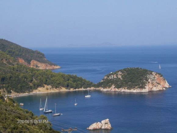 The Stafylo\'s bay from the upper road