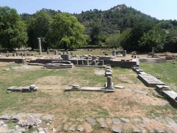 The agora of ancient Thassos. It was to house temples of various deities, including Zeus and, one of my personal favourites, Dionysos. (August 2012)