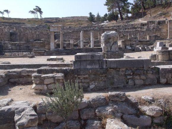 Doric fountain-stoa, Ancient Kamiros, August 2010