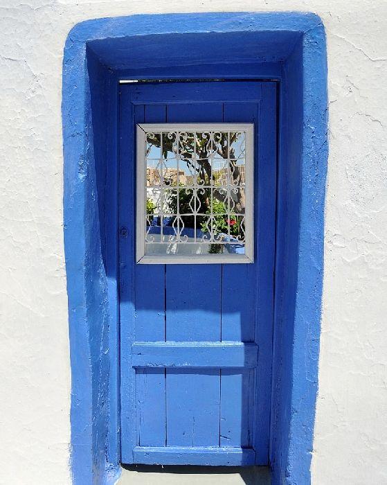 Potamos, garden door