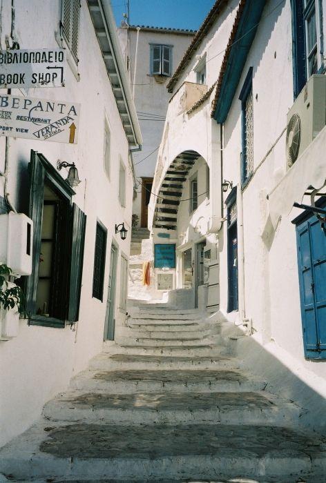 Beautiful Hydra Streets