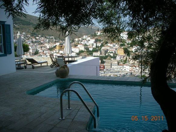swimmingpool with lovely view of Hydra