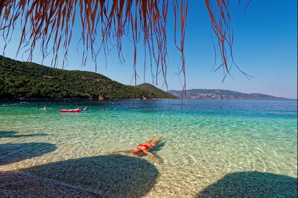 2018-09-17  -  16h.25 : Relax in Antisamos ...  If Paradise exists, it must really look like something like this ...