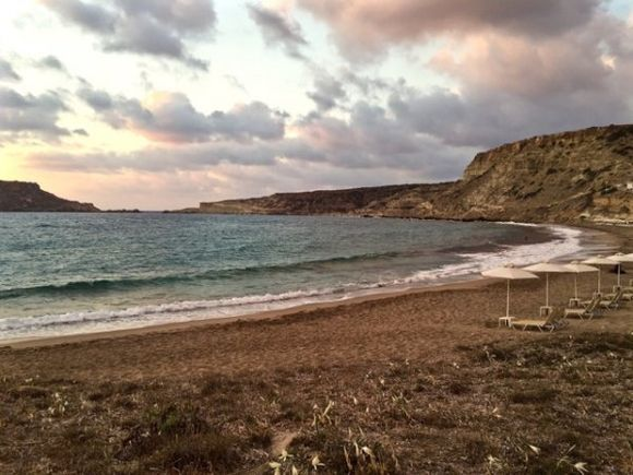 Cloudy sunset in Lefkos