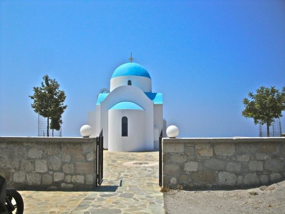 Nikia: the church on the hill overlooking the village