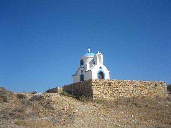 Little church between Xyrocampos and Torkoumima