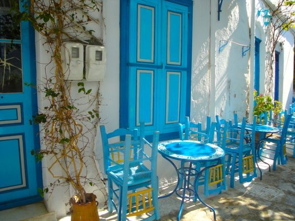 Early morning, a nice, small taverna in Chora