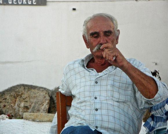 Donoussa life: at the kafeneio to Kyma