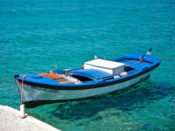 Stavros: fantastic water in the port