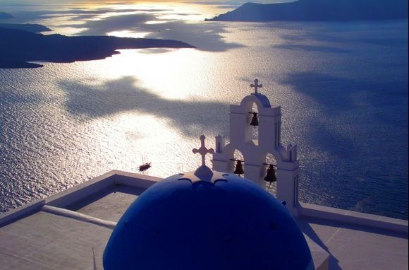 Santorini\'s domes - Firostefani