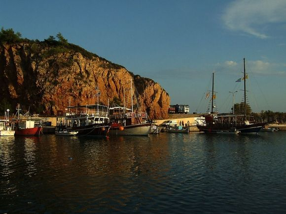 The port in the evening