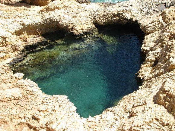Caves before Pori, KoufonisiaCaves before Pori,
