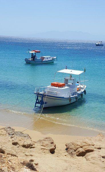 Elia beach, taxi boats
