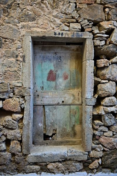 I like the old doors