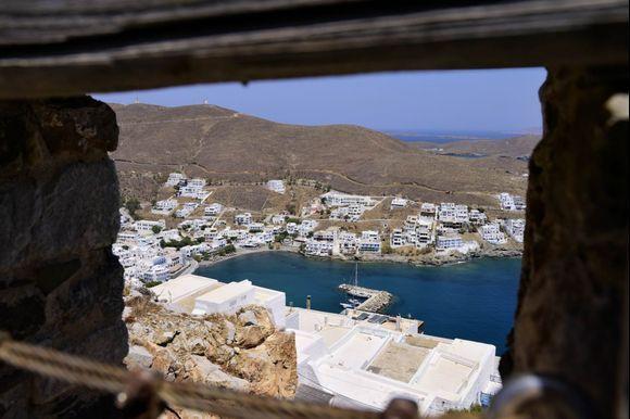 view down to Pera Gialos