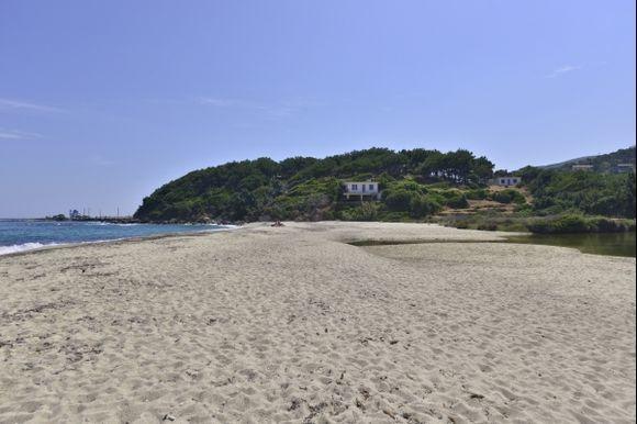 Mesachti beach