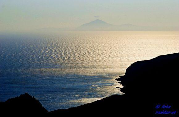 look to Santorini near Kleisidi