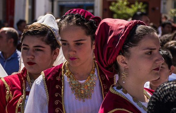 Faces and moments of the Greek Independence Day parade