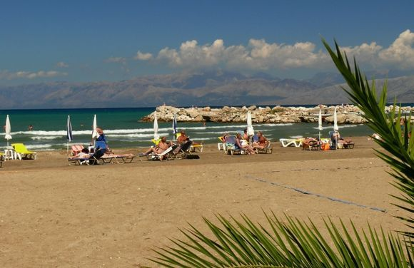 relax on Roda beach