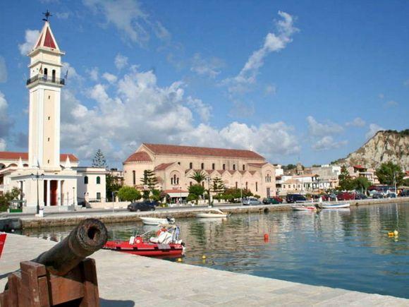 Zakynthos' port - Thursday morning!