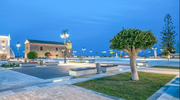Solomos Square by night!