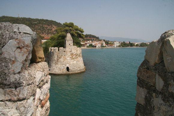 Nafpaktos port fortifications