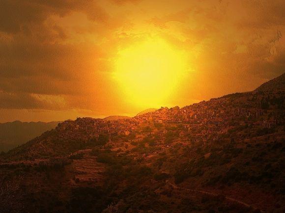 The sun above Arachova