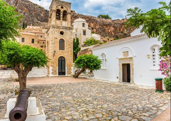 Monemvasia's secret gem - Church of Elkomenos Christos📍 This nice church is dedicated to