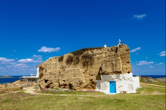 This is not (just) a rock! This is the church of Agios Nikolaos in Skyros located atthe northern edge of Molos Beach. More info about Skyros island here:https://www.greeka.com/sporades/skyros/