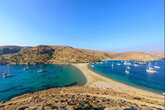 Which one do you prefer? The left or the right?  This is Kolona beach in Kythnos, about 2 hours by ferry from Athens. Kythnos is a small, calm, family friendly island of the Cyclades. Find more info  here: https://www.greeka.com/cyclades/kythnos/