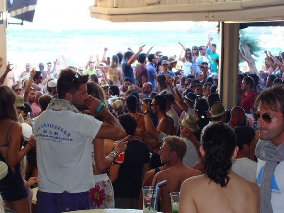 Getting the party started at Super Paradise Beach!!!! Lot of fun ;)